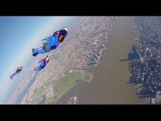 Five Red Bull Air Force Wingsuit Flyers accomplished their dream of skydiving one of the world's most recognizable skylines - Manhattan. Using new wingsuit technology, these flyers traveled two miles in just two minutes at a speed of over New York City. Sky Surfing, Wingsuit Flying, Meanwhile In America, Best Bucket List, Civil Air Patrol, Brooklyn Nyc, Skydiving, Red Bull, New York City
