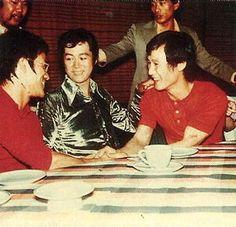 Shows télévisés HK-TVB et Exhibitions JKD - Bruce Lee et sa flûte silencieuse Bruce Lee Photos, Brandon Lee, Kung Fu, Ip Man, Long Time Friends, Exhibition, Man Photo, Action Movies, Martial Arts