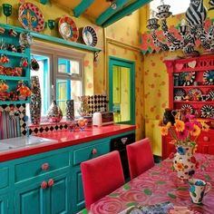 Explore our list of Inspiring Bohemian And How to Add Bohemian Style to Your Kitchen and tips including about Accessories to Match Your Bohemian Kitchen, Colorful Boho Chic Kitchen Designs and Ideas to Create Rustic Bohemian Kitchen Decorations. Bohemian House, Bohemian Style, Boho Chic, Boho Hippie, Bohemian Living Rooms, Living Spaces, Mexican Kitchens, Mexican Kitchen Decor, Mexican Style Decor