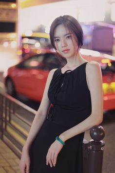Beautiful Asian Women, Beautiful Models, Korean Beauty, Asian Beauty, Vintage Lace Gowns, South Korea Fashion, Yoon Sun Young, Young Black, Girl Short Hair