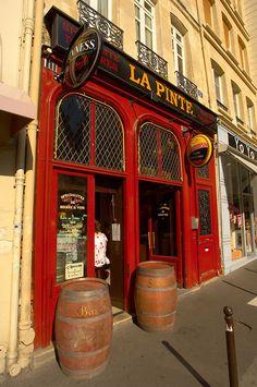Paris France - Bistro St Germain La Pinte