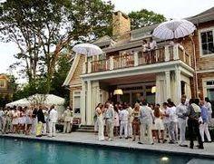 "An ""All White"" party poolside! Hamptons Party, The Hamptons, Hamptons Wedding, Exhibition Stand Design, Estilo Ivy, Estilo Preppy, All White Party, Aqua Party, Old Money"