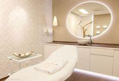 Home Beauty Salon, Beauty Salon Decor, Beauty Salon Design, Spa Room Decor, Beauty Room Decor, Spa Room Ideas Estheticians, Schönheitssalon Design, Esthetics Room, Spa Treatment Room