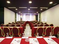 Imagen del Salón New York del Hotel Petit Palace Madrid Aeropuerto | Espacio preparado para presentaciones, conferencias y eventos de empresa junto a #Ifema, #Madrid, #Business #Spain