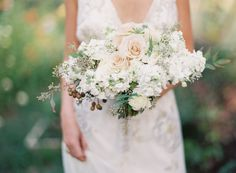 Photo by Holly Chapple Flowers - http://thefullbouquetblog.com/ photo by Anne Robert