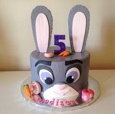 Officer Judy Hopps Zootopia cake by Kristy Dax | cakesbykristy.com