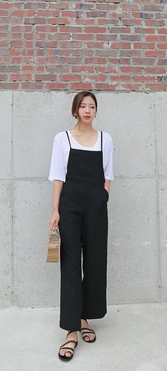 Weekend is jumpsuit day! #dailyabout #streetstyle #fashion