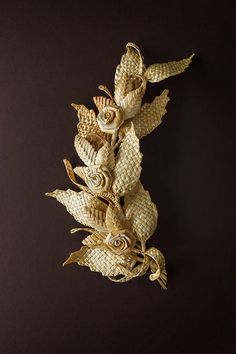 This item is made out of natural materials, it is completely eco-friendly. It is very unique, many different techniques were used to create this composition. The branch can be a great addition to any setting and any room. All of the details in this piece are made out of straw, they are Flax Weaving, Straw Weaving, Willow Weaving, Weaving Art, Straw Crafts, Leaf Crafts, Burlap Crafts, Branch Decor, Wall Decor