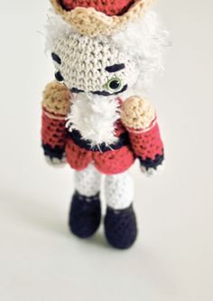 Crochet Stories: E. T. A. Hoffmann's THE NUTCRACKER By: Lindsay Smith -  Dover Publications <>   #9