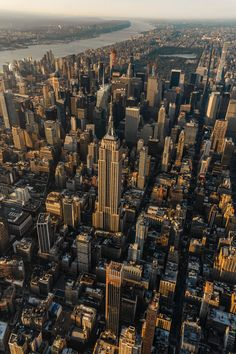 Empire State Building, New York City during daytime photo – Free Landscape Image on Unsplash East River, Nature Pictures, Travel Pictures, City Wallpaper, Mood Wallpaper, Iphone Wallpaper, City Aesthetic, Park Homes, City Photography