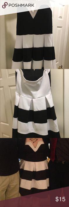 Charlotte Russe Sleveless Dress strapless, v-neck dress with wire, worn once Charlotte Russe Dresses Midi