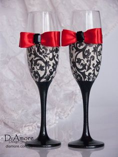 Personalized Wedding glasses from the collection by DiAmoreDS Damask Wedding, Gothic Wedding, Red Wedding, Wedding Sets, Wedding Stuff, Wedding Toasting Glasses, Wedding Flutes, Wedding Champagne, Toasting Flutes