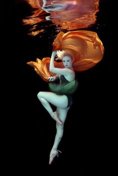 Underwater photography by Peter Benke (more @ boards here : http://pinterest.com/fra411) love the orange fabric