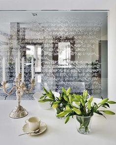 Divisorios de vidrio.