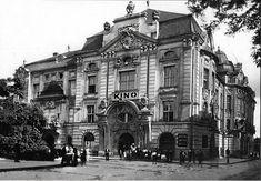 Reduta Len zaostrený snímok z inej nástenky. Bratislava, Old Street, Louvre, Street View, Country, Building, Places, Times, Travel