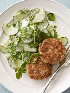 These horseradish salmon cakes are fabulous alone or on soft rolls or in pita bread. #dinner #recipes