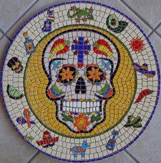 Em março fomos almoçar no restaurante Olé Mexicano em Novo Hamburgo, e minha filha Lucille me falou que eu bem poderia fazer um mosaico de c...
