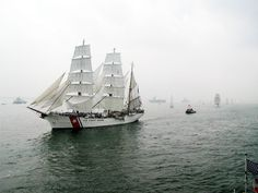 Opsail2000 parade - USCGC Eagle (WIX-327) - Wikipedia, the free encyclopedia