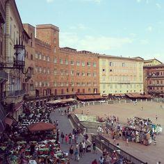 Piazza di campo. Siena-Italy, by Azhar Media, audiovisual production company (Seville, Andalusian, Spain)