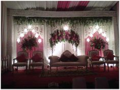 Soraya Wedding Organizer | Gallery Pelaminan  Pelaminanm minimalis dengan nuansa merah muda.