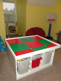 lego table made from IKEA pieces! Very easy! Great idea for my friends with little ones!
