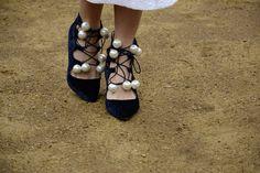 Ahora codiciar estos zapatos de terciopelo y nacarados manchados en # # LFW AW14