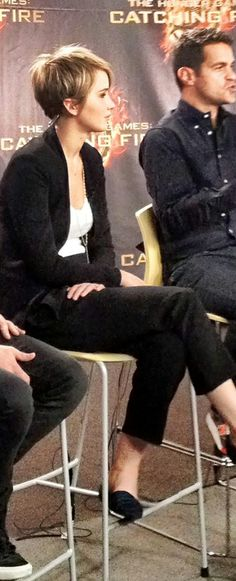 zomg, Jennifer Lawrence rocks her pixie cut