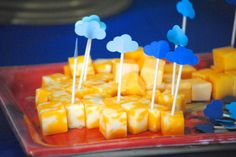 I love the little cheese cubes with the cloud toothpicks--these would go great with apple slices for NYC