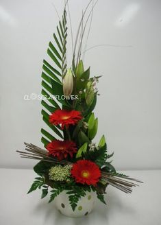 Art floral - Page 17 - Closcrapflower Contemporary Flower Arrangements, Tropical Flower Arrangements, Creative Flower Arrangements, Church Flower Arrangements, Funeral Arrangements, Church Flowers, Art Floral, Deco Floral, Modern Centerpieces