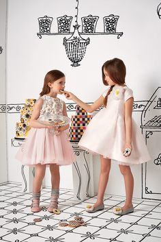 Fendi childrenswear at Chocolate Clothing. Young Fashion, Kids Fashion, Fendi, Cute Little Girl Dresses, Little Girl Fashion, Party Fashion, Kids Wear, Baby Dress, Editorial Fashion