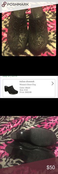 Selling this ✨Price Lowered✨ Italian Shoemakers clogs in my Poshmark closet! My username is: destinynason. #shopmycloset #poshmark #fashion #shopping #style #forsale #Italian Shoemakers #Shoes
