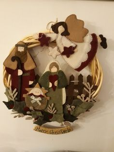 Diy christmas wreaths 120189883792137306 - DIY Christmas Wreaths for Front Door – DIY Sweetheart Source by michaela_beno Christmas Hanging Baskets, Christmas Wreaths For Front Door, Xmas Wreaths, Christmas Sewing, Christmas Projects, Holiday Crafts, Felt Christmas Ornaments, Christmas Nativity, Felt Decorations