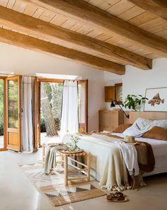 Avec cette maison et une telle vue, iriez-vous vivre ailleurs? - PLANETE DECO a homes world Dream Bedroom, Home Bedroom, Bedroom Decor, Master Bedroom, Bedrooms, Summer Deco, Deco Design, Cozy House, Cheap Home Decor