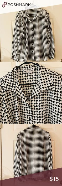 Vtg Joan Leslie black and white blouse size 18w This Vtg Joan Leslie black and white blouse size 18w is just what your wardrobe needs.  Preowned but like new. Proceeds from this closet support Project Hope a ministry to homeless single moms and their children. joan leslie Tops Blouses