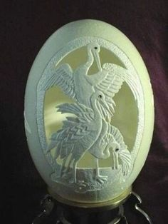 Creative Egg Carving Art...wow...now this takes a little more than a little creativity...they can break ≧◉◡◉≦
