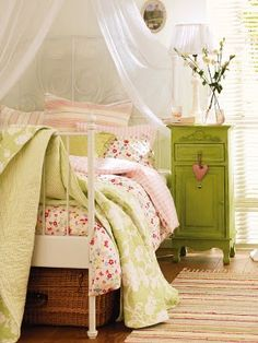 Ooh la la, a shabby chic bedroom. <3 many of the accents & color combos here :)