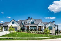 Urban Farmhouse Parade of Homes) - All About Home Design - Urban Farmhouse Designs, Modern Farmhouse Exterior, Farmhouse Chic, Dream House Exterior, Dream House Plans, Dream Houses, Barn Houses, Style At Home, Parade Of Homes