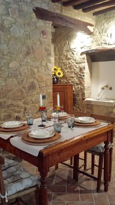 "Have a nice stare in the ""Cantina di Nanni"" 😍 #borghetto #Montalcino #Tuscany #Italy #like #follow #enjoy #travel #discover #myworld #suite #rustic 🇮🇹👍🏻"