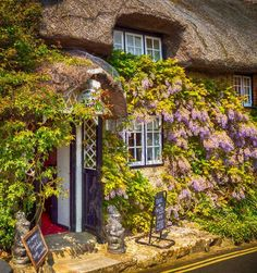 Bat's Wing Tea Room, Godshill, Isle of Wight. Back Garden Landscaping, The Places Youll Go, Places To Go, English Village, English Cottages, Country Cottages, Fairytale House, European Home Decor, Places Of Interest