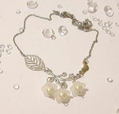 Mothers Day GiftBird Leaf by DelabudCreations on Etsy Funky Jewelry, Unique Jewelry, Mothers, Pearl Necklace, Necklaces, Jewellery, Pearls, Trending Outfits, Day