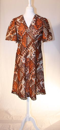 nice fall colors Short Sleeve Dresses, Dresses With Sleeves, Roxy, Tunic Tops, Retro, Nice, Colors, Fall, Women