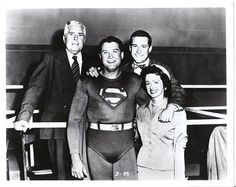 Adventures of Superman. The show actually started off being shot in color, but due to budget cuts had to switch over to black and white. THIS is the REAL Superman :) Midcentury Modern, George Reeves, Adventures Of Superman, Vintage Television, Old Time Radio, Baby Boomer, Hollywood, Vintage Tv, Vintage Stuff