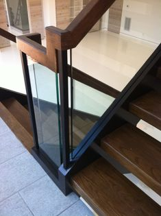 The sleek, simple and clean look of glass stair railings allows them to go almost unnoticed due to the exquisite transparency. Interior Staircase, Staircase Railings, Staircase Design, Stairways, Staircase Ideas, Glass Stairs, Contemporary Stairs, Loft Interiors, Custom Glass