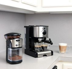Capresso Pump Espresso and Cappuccino Machine Black and Stainless 3 Home Espresso Machine, Espresso Machine Reviews, Coffee Maker Reviews, Coffee Maker Machine, Cappuccino Machine, Espresso Maker, Single Cup Coffee Maker, Best Coffee Maker, Cappuccino Coffee