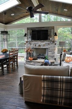 Back Porch ideas and photos to inspire your next home decor project or remodel. Check out Back Porch Decks photo galleries full of ideas for your home, apartment or office. Back Porches, Enclosed Porches, Screened In Porch, Front Porch, Outdoor Rooms, Outdoor Living, Outdoor Ideas, Outdoor Screen Room, Room Screen