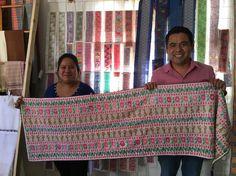 Cuetzalan, bordados a mano, camino de mesa