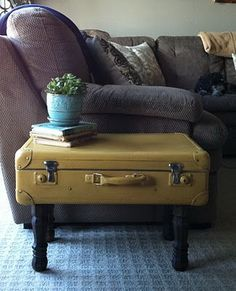 Painted Suitcase Table / how about removing the top of the suitcase and covering it with a glass top. Cute Suitcases, Vintage Suitcases, Vintage Luggage, Vintage Suitcase Table, Furniture Makeover, Diy Furniture, Plywood Furniture, Furniture Design, Living Room Toy Storage