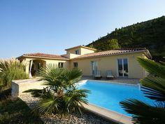 Fraai gelegen villa in natuur met heerlijk privé-zwembad en mooi uitzicht