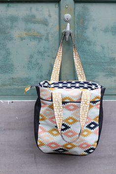Arizona Super Totes + a arizona fabric giveaway - Noodlehead