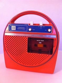 SPACE AGE MOD 1973 Hitachi TRQ-225R CASSETTE PLAYER / RECORDER In Orange WORKS! I carried this everywhere playing Beatles and eagles in 1970s!!!
